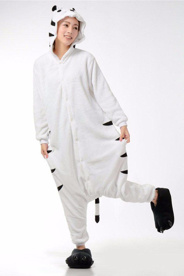 Пижама кигуруми в виде белого бенгальского тигра тигренка в СПБ